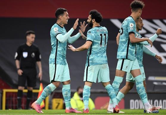Liverpool feiert den Sieg bei Manchester United.