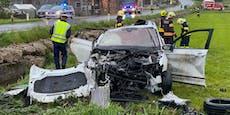 Lenker (36) bei Auto-Überschlag schwer verletzt