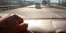 Autobahn-Rowdy prügelt auf Tankstelle mit Holzlatte los
