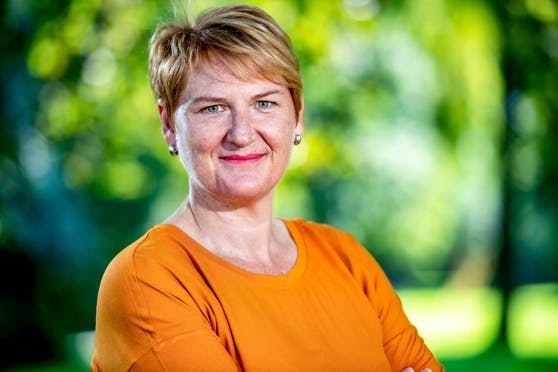Landessprecherin Helga Krismer will den Jugendlichen und Kindern einen unbeschwerten Sommer schenken.