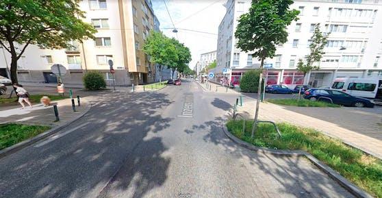 Blick auf die Kreuzung Inzersdorfer Straße / Herzgasse in Wien-Favoriten.