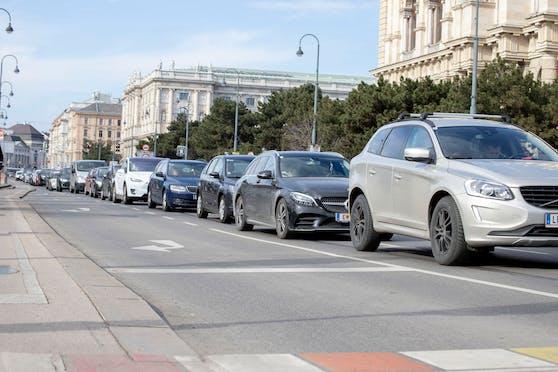 Aufgrund der zu erwartenden Straßensperren drohen zeitweilige Verkehrsbehinderungen bzw. Staus.