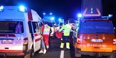 Unfall-Lenker überquert Autobahn, bricht dann zusammen
