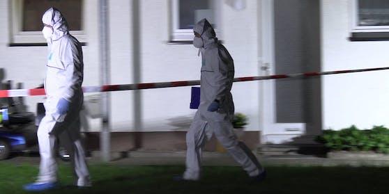 Die Spurensicherung am Tatort in Bad Essen (Niedersachsen)