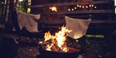 Wilde Corona-Party auf Waldhütte mit Lagerfeuer und Alk