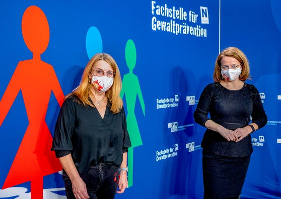 Landesrätin Christiane Teschl-Hofmeister (r.) und Landesrätin Ulrike Königsberger-Ludwig