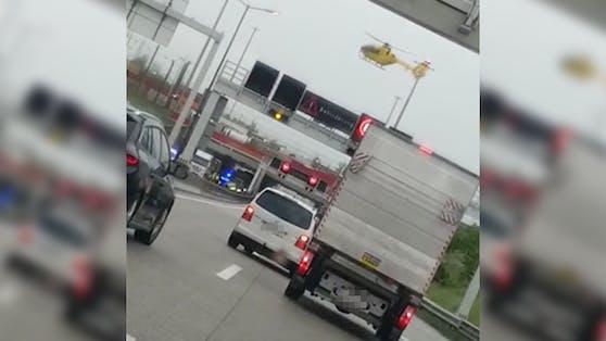 Ein Hubschrauber musste am Montag auf der Autobahn landen