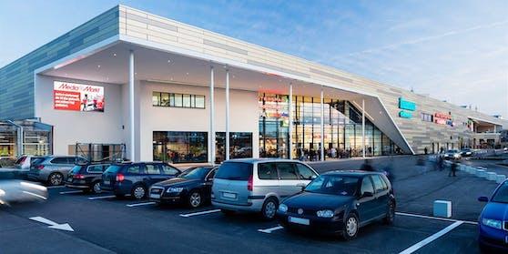 """Das Shopping-Center """"Huma Eleven"""""""