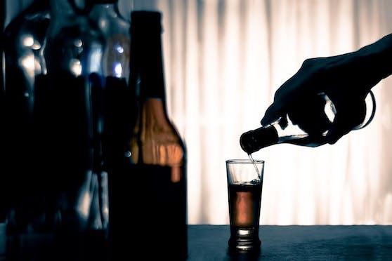 Viele sahen sich mit der Coronapandemie überfordert und wollten mit Alkohol entspannen.