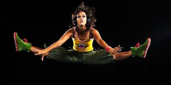 Stuntfrau Nora Summer (40) hat ein Buch über ihre Erlebnisse geschrieben.