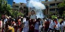 Stalin greift in Indien nach der Macht