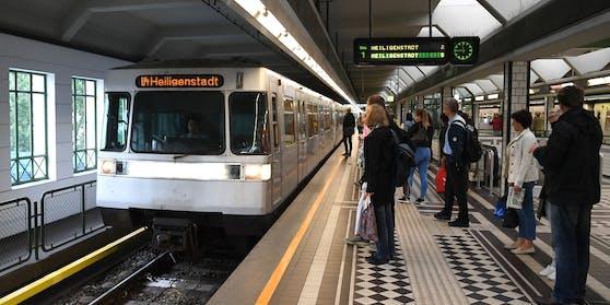Die U-Bahnlinie U4 ist unterbrochen.