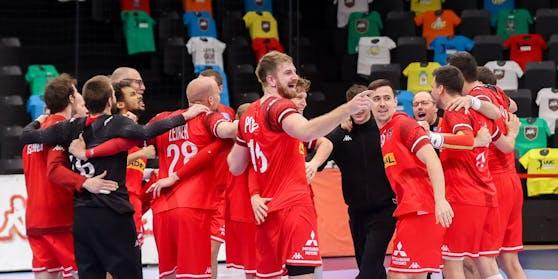Die ÖHB-Herren feiern die EURO-Qualifikation.