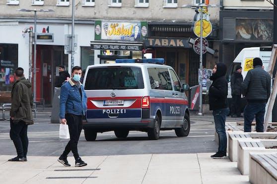 Die Polizei musste am Samstag in Wien wegen eines rabiaten Ladendiebs ausrücken und diesen festnehmen. (Archivfoto)