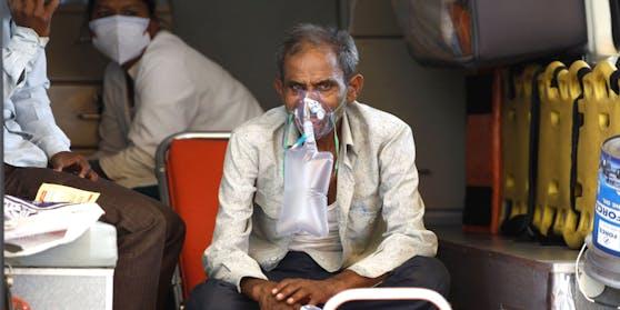 Eine tödliche Pilzkrankheit trifft tausende indische Corona-Infizierte.