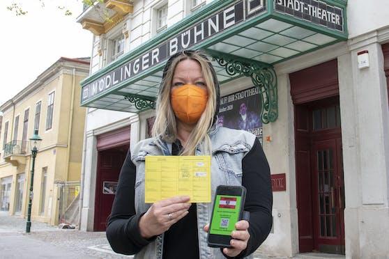 Wer vollständig geimpft ist, soll künftig von der Maske befreit werden.