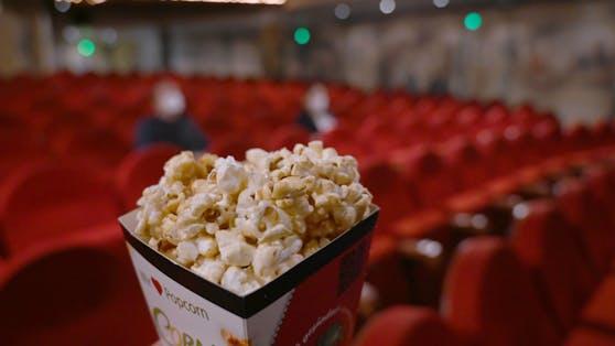 Die großen Kinos sperren wieder auf Symbolbild).