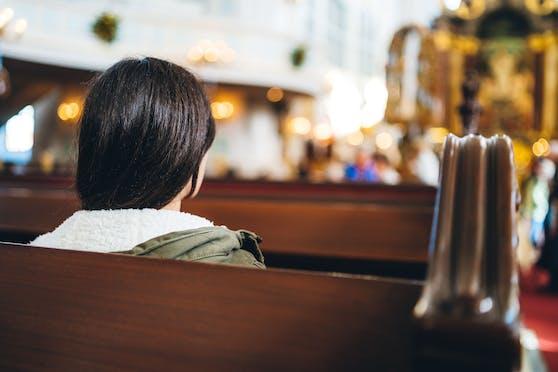 Symbolbild einer Messe in der Kirche
