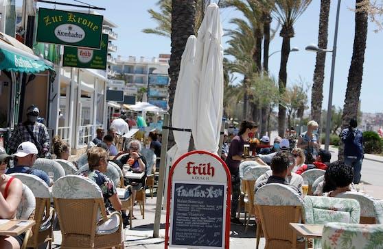 Geimpfte können bald wieder ohne Einschränkungen nach Spanien reisen. (Archivbild)