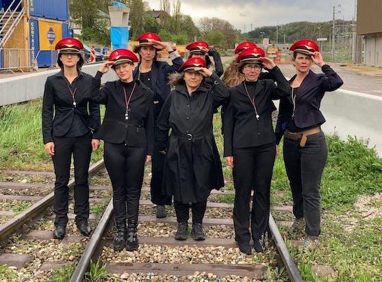 Die Bahnhofsfrauen von Unter Purkersdorf.