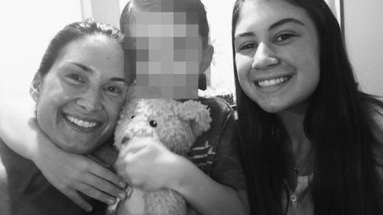 Der kleine Aiden (6) mit seiner Mutter und Schwester Alexis (15)