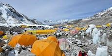 Hunderte drängen in letzter Minute auf Mount Everest