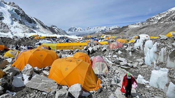 Im Basislager am Mount Everest soll es mehrere Corona-Fälle geben.