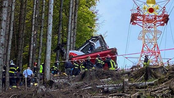 Im Piemont ist eine Seilbahnkabine abgestürzt, 14 Menschen kamen dabei ums Leben.