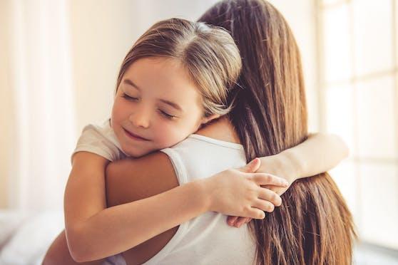 Mama und Tochter sollen getrennt werden. Diana (3) soll zu ihrem Papa in die USA rückgeführt werdenn.