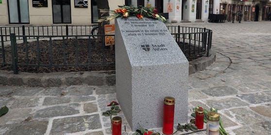 Gedenkstein der Stadt Wien für die Opfer des Terroranschlages vom vom 2. November 2020.