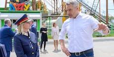 Karl Nehammer geht auf Sicherheitstour im Wiener Prater