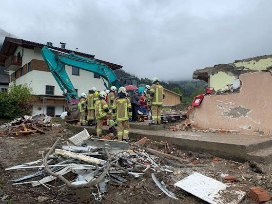 Söll—Schwerer Arbeitsunfall bei Abbrucharbeiten-Fotocredit: ZOOM.TIROL