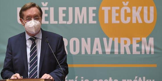 Der aktuelle Gesundheitsministers und Medizinprofessor Petr Arenberger gab heute in Prag seinen Rücktritt bekannt.