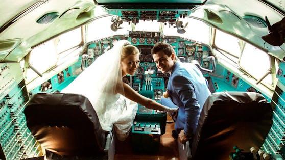 Eine indische Hochzeitsgesellschaft feierte einfach im Flieger.
