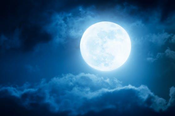 """Wie jeder Vollmond beeinflusst auch der """"Flower Moon"""" unser Gemüt."""