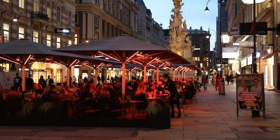 Schanigärten in Wien - Sperrstunde ab 10. Juni wird bis 24 Uhr verlängert.