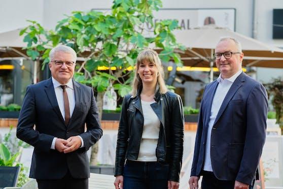 Klaus Luger (li.) mit Anna Weghuber und Harry Katzmayr.