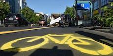 Junge Radlerin stirbt, weil Radweg zugeparkt wurde