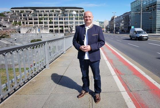 Markus Hein (FPÖ) ist jetzt bis Mitte Juli auf Reha.