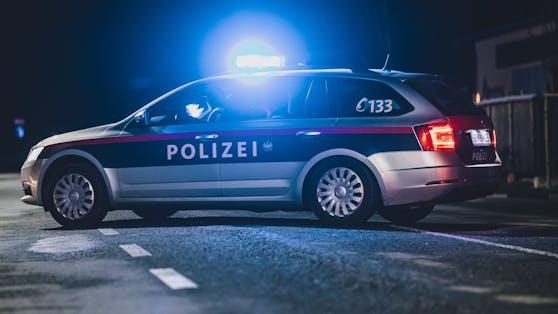 Nächtlicher Einsatz für die Polizei: In Innsbruck flogen die Fäuste. Symbolbild.