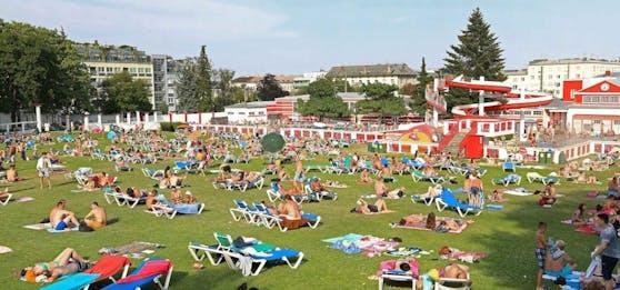 Das Wiener Kongressbad an einem heißen Sommertag. Szenen, die es auch heuer geben wird?