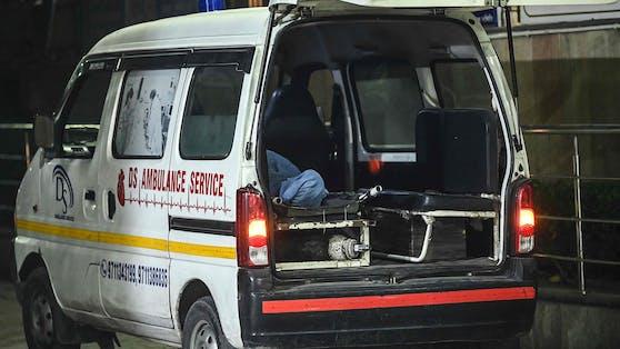Die 22-Jährige wurde in einem Krankenwagen sexuell missbraucht.