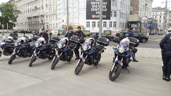 Die Polizei rüstet sich aktuell für die Demonstranten