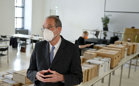 Wissenschaftsminister Heinz Faßmann (ÖVP) im Rahmen der Stimmauszählung der ÖH-Wahlen