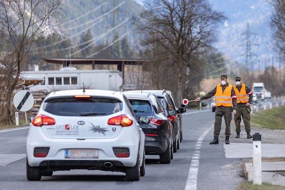 Kontrolle der Ausreisetests in Tirol. Archivbild, April 2021