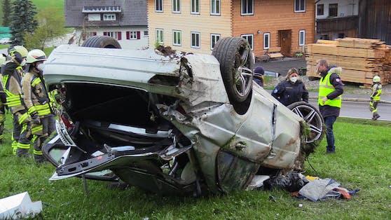 Das Unfall-Auto: Eine 15-Jährige verlor bei dem Crash ihr Leben.