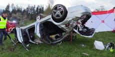 15-Jährige stirbt bei Unfall, vier Freunde mit im Auto