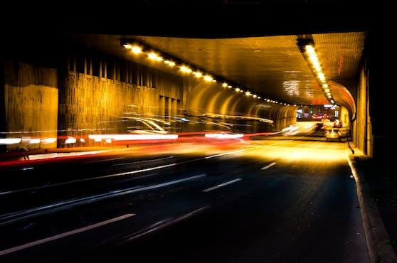 Die sechs Verkehrsteilnehmer lieferten sich ein illegales Straßenrennen in Salzburg. Symbolbild.