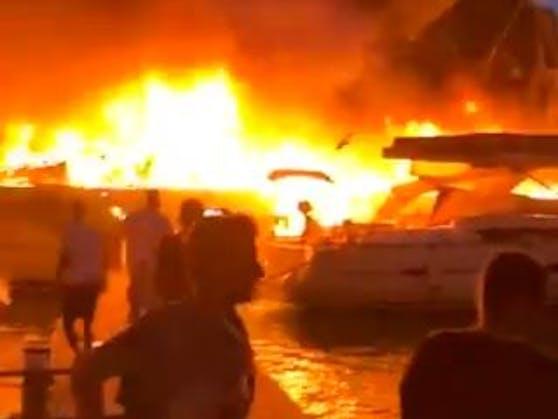 Das Feuer in derMarina Kastela beiSplit richtete Millionenschaden an.