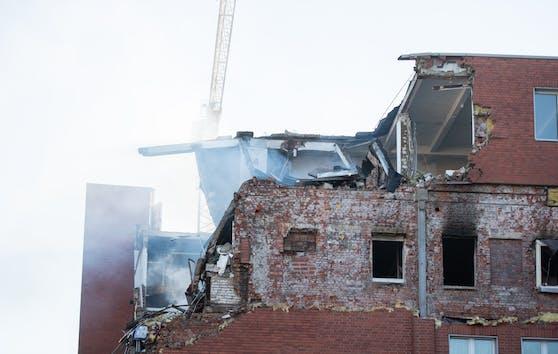 Das Gebäude wurde schwer beschädigt.